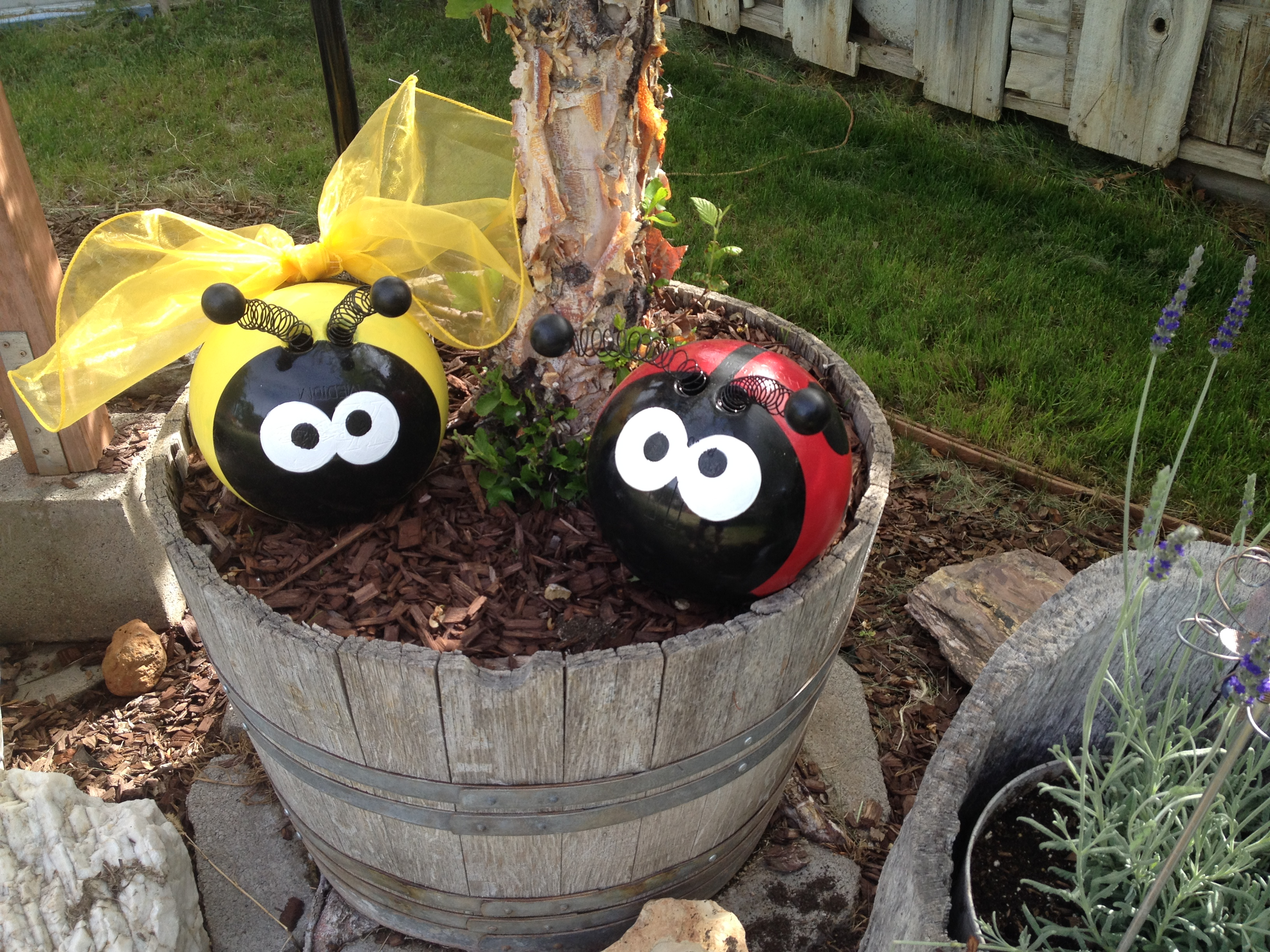 Bowling ball garden cuties | CRAFTS/ART | Pinterest ...